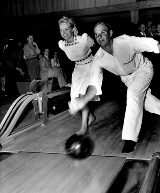 39grable-jackiecoogan-bowling-jun-39_opt